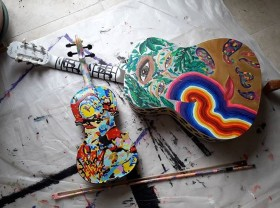 """Painted violon """"Sonorité Jaune"""" (Yellow sound, Vassily Kandinsky tribute) and """"Edge of the World"""" guitar"""
