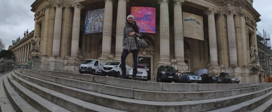 Panoramic view of me in front of the Grand Palais